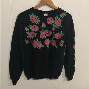 Sweaters - Vintage flower crew neck